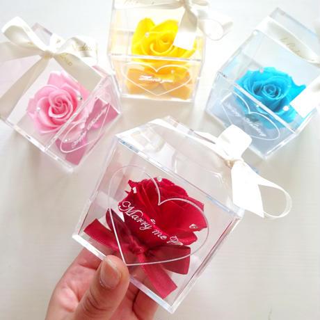 """《名入れギフト☆メッセージ刻印》message ROSE """"Coffret""""  プチギフトにも ☆バラを隠した小さな宝石箱"""