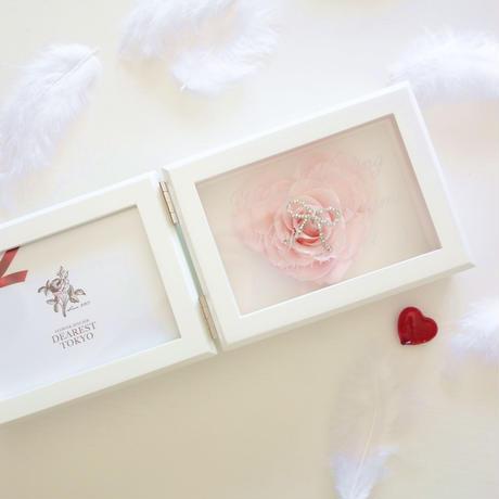 """《名入れギフト☆メッセージ刻印》MEMORIES """"LOVE"""" (PINK)バラの花びらで作ったハートのフォトフレーム"""