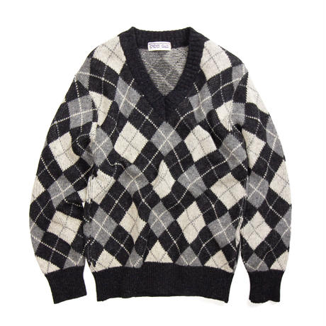Cross Road / Acrylic V-Neck Sweater