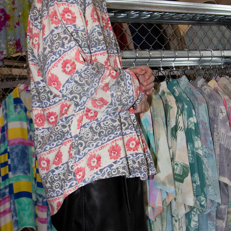 Accanto / Euro Vintage Flower Patterned Rayon Shirts