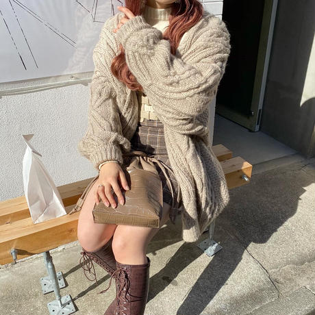 ケーブル編みボリュームカーディガン【202-3026】