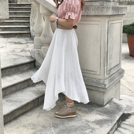 スノーホワイトアシメスカート
