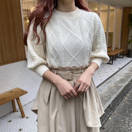 ケーブル編み袖ボリュームニット【202-3025】