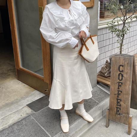 ホワイトフリル襟ブラウス【211-1031】