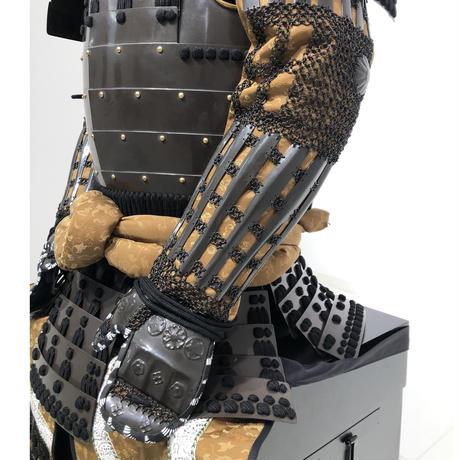 【O-069】黒糸威胸取鎬二枚胴具足(くろいとおどしむなとりしのぎにまいどうぐそく)