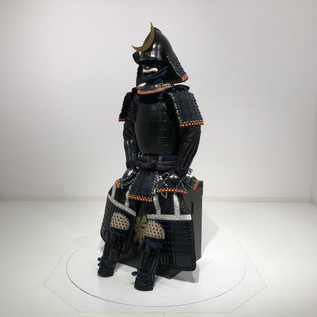 【O-051】紺糸威黒艶消鋲綴二枚胴具足(桃形兜)