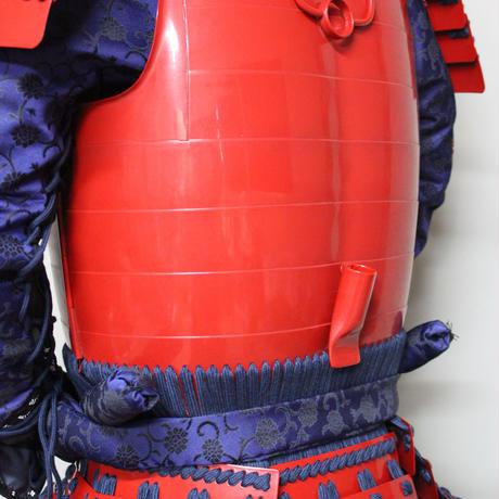【O-062】●濃紺糸威赤桶側二枚胴具足(手時代塗)
