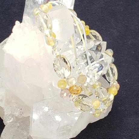 イエローサファイア<プクラジストーン>とレモンクォーツの組紐ブレスレット