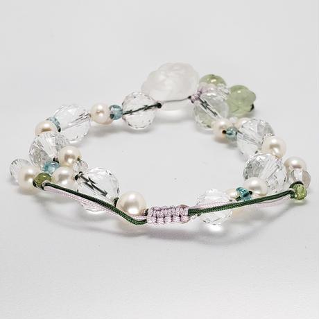 水晶お花彫り<プレナイトチューリップ> 組紐ブレスレット