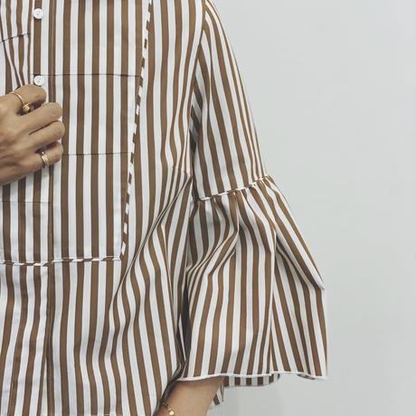 ラッフルスリーブシャツ