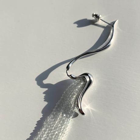Wisteria Earring (white topaz)