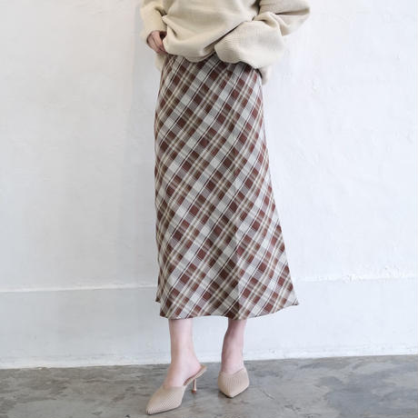 オーバーチェックロングスカート