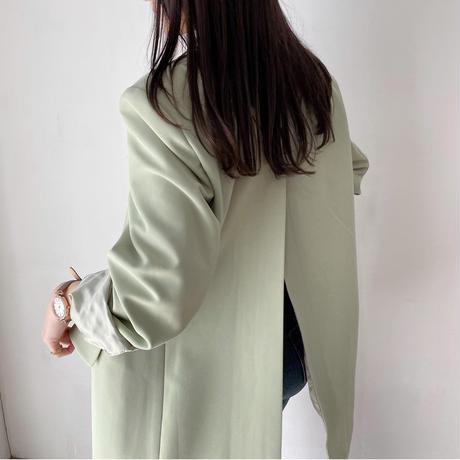 バックスリット淡色ジャケット