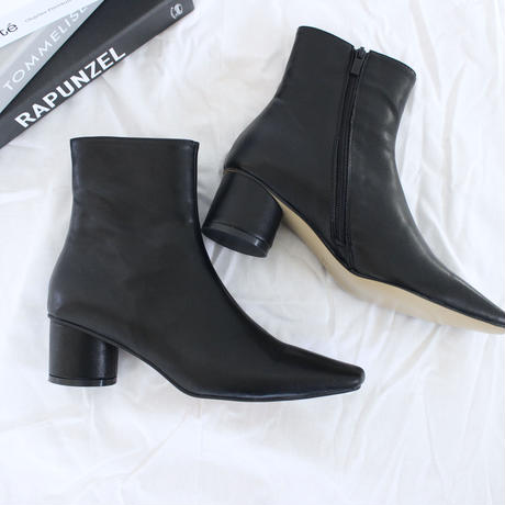 Square toe chunky short boots