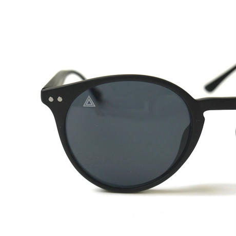 HT-SNK207001 / MATTE FRAME SUNGLASSES ft SUNKAK - BLACK