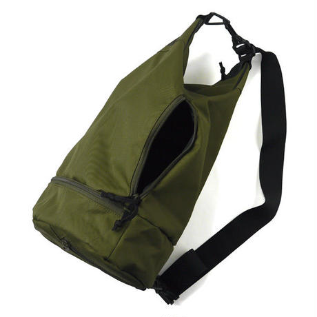HT-G180004 / ONE SHOULDER TRAINING BAG - OLIVE