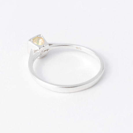 initial ring / gold