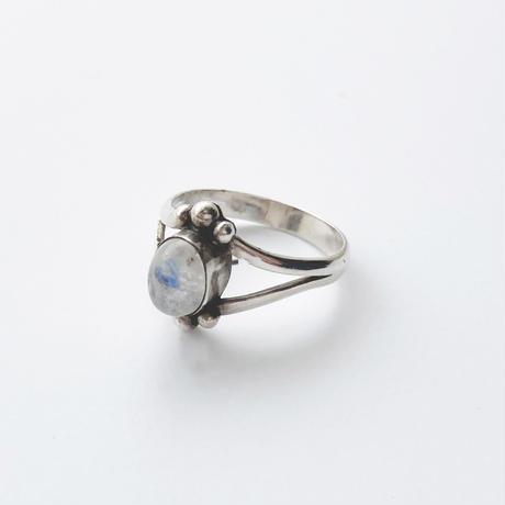 #15 silver moonstone ring