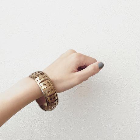 gold ribbon bangle