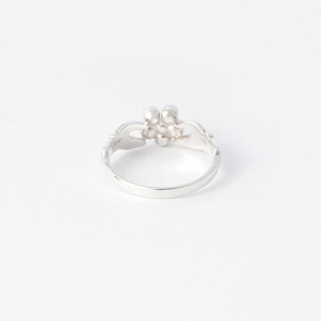 pearl flower ring  / silver
