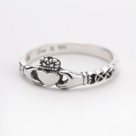 Lilac × o'my  claddagh ring / silver