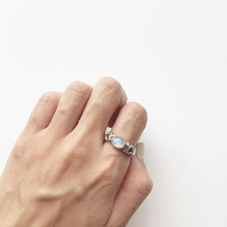 #15 silver oval moonstone ring