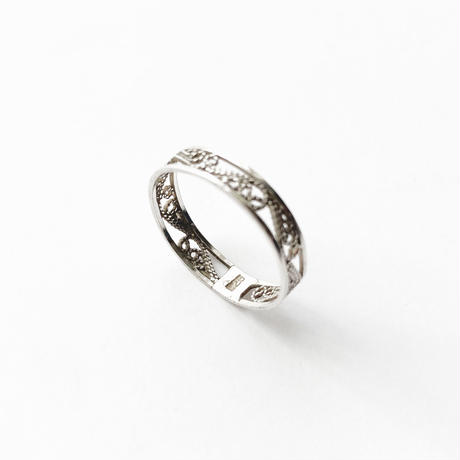 #16 silver lace ring