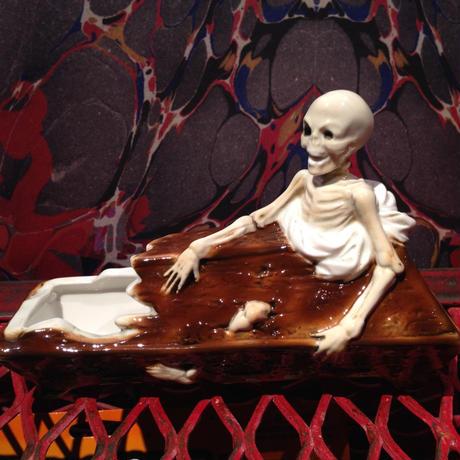 Vintage  the coffin & the skeleton   Ashtray