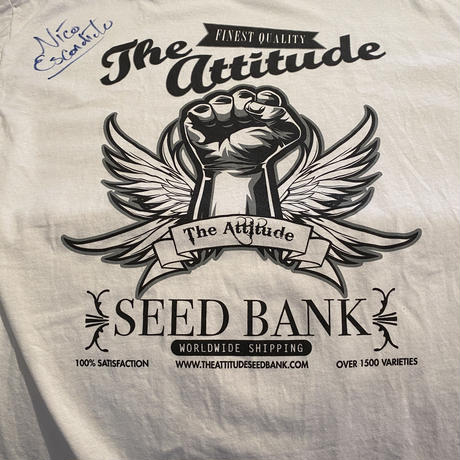 """Medical Cannabis Cup 2011 """"The Attitude Seed Bank""""  T-shirt"""