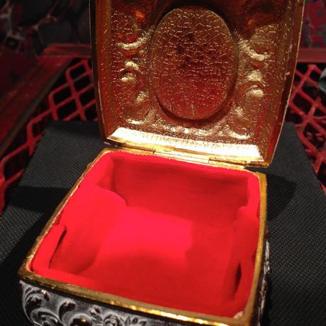 Antique Skull White Jewelry Box