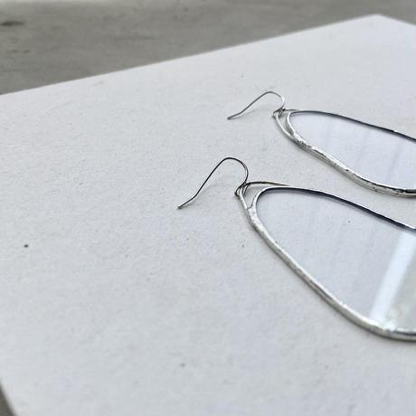 OYSTER SHAPE PIERCE・EARRINGS | HAKU-GLASS CLEAR