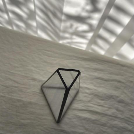 【再入荷】ハクガラス・ガラス器 / フラワーベース / 台形三角立体 S //HAKU GLASS ・FLOWER VASE  小さなフラワーベース