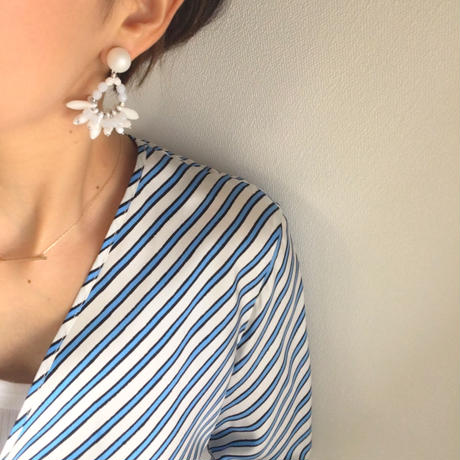 white mix pierce earring