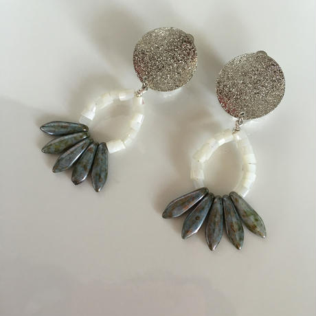 Silver  shell  pierce  earring