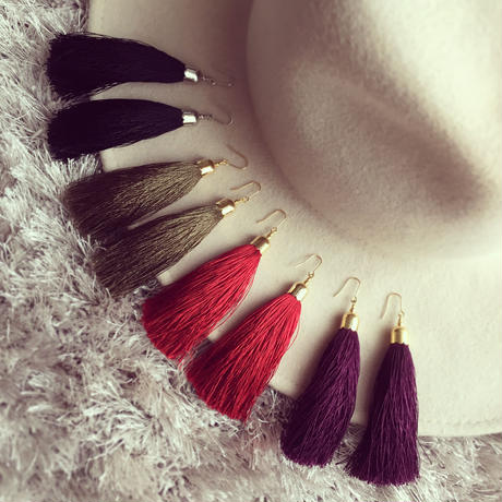 Silk tassel pierce earring