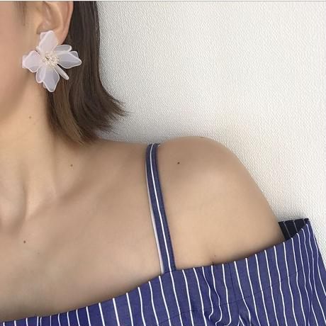flower pierce earring