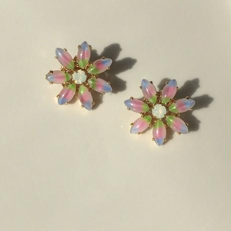 Rainbow flower pierce earring