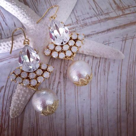 Crystal Swarovski Cotton pearl Chandelier pierced earring
