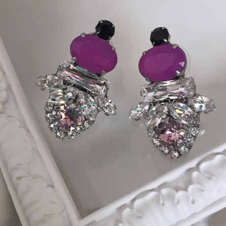 PurpleBijou crystal Swarovski pierced earring
