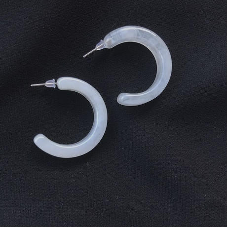 white marble hoop pierce earring