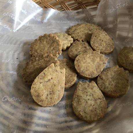 ひよこ豆粉のフラワークッキーL