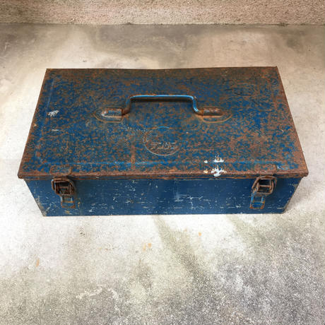 BLUE MACHINE IRON BOX