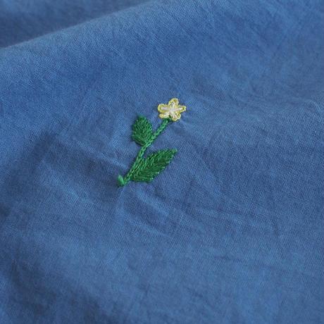 手刺繍小花柄プルオーバー