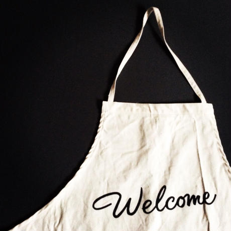 "DRESSSEN ADULT APRON #22"" Welcome"