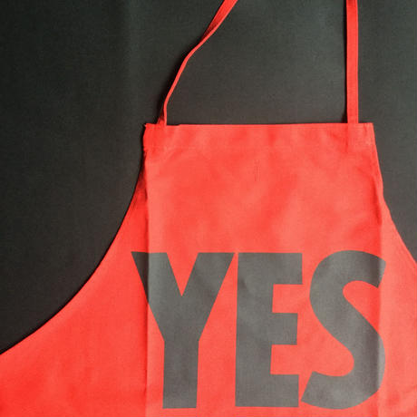 "DRESSSEN DR(RED)1   ""YES"" APRON   RED COLOR"