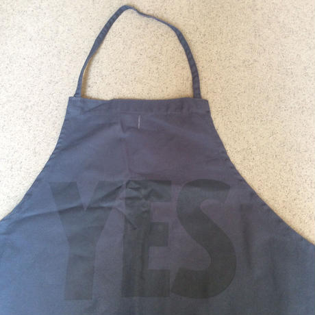 "DRESSSEN DR(GRY)  APRON ""YES""  GREY COLOR"