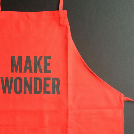 "DRESSSEN DR(RED) 5""MAKE WONDER ""APRON  RED COLOR"