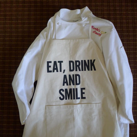 DRESSSEN  DS17 D→SLIDE  APRON  EAT,DRINK AND SMILE