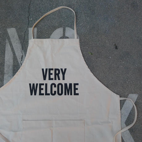 DRESSSEN #66 ADULT APRON VERY WELCOME APRON