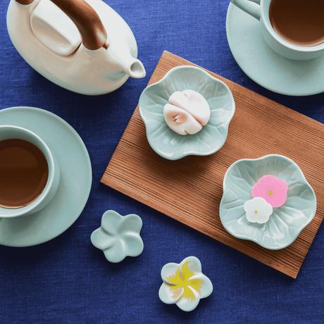 ジェンガラ デヴィ・コレクション フランジパニ箸置き(Frangipani Chopstick Rest)  アクアブルー